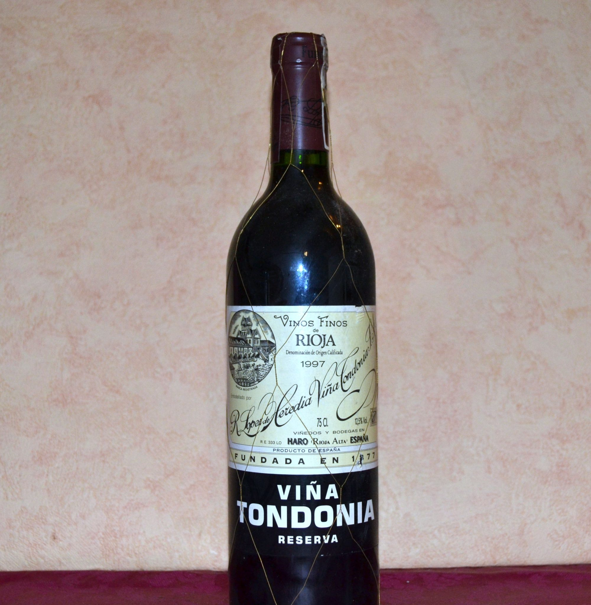viña tondonia tinto reserva 1997 elaborado por lopez heredia es el regalo ideal para un cumpleaños,un aniversario o una jubilacion